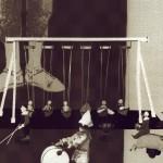 Elengedés, hit, újrakezdés: Hat most ki lesz az apa?, 2013, vegyes technika, fényvisszaverő reflexfólia, jelzőtábla